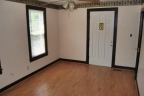 Cozy--Charming-3bed-10-bath-In-Louisville-washerdryer-included